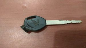 Pelaku hanya meninggalkan kunci motor ini kepada korban.
