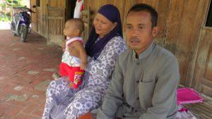 Potret sebuah keluarga di Dusun Ngaglik Desa Kedungasem Kecamatan Sumber.