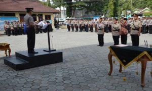 Kapolres Rembang melantik 2 Kapolsek dan Kasat Binmas, Kamis pagi (12/04).