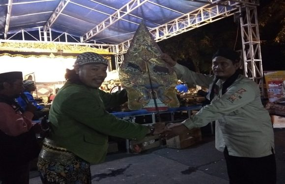 KPU Rembang Gelar Pentas Wayang Kulit, Terselip Pesan Penting Untuk Masyarakat
