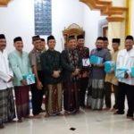 Bupati Rembang, Abdul Hafidz saat berada di Masjid Desa Pondokrejo, Kecamatan Bulu, Kamis malam (24/05).