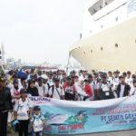 Pemberangkatan peserta balik gratis dari Pelabuhan Tanjung Emas Semarang, yang digelar PT. Semen Gresik, Senin (25/06).