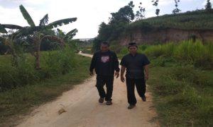 Kondisi jalan masuk menuju Desa Kajar, Kecamatan Gunem.
