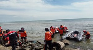 Tim SAR gabungan menggelar pencarian korban hilang, Rabu (28/03).