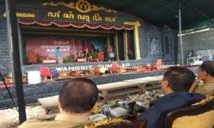 Pentas FK Metra Kabupaten Rembang di Kebon Seni Desa Turusgede, Rembang, Senin (23/04).