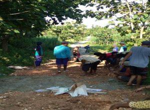 Jalan rusak di Dusun Jatigenuk.