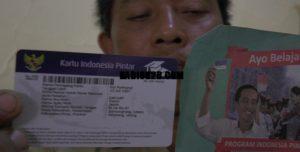 Kartu Indonesia Pintar (KIP).