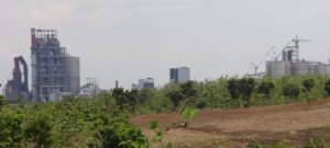 Pabrik semen di Kabupaten Rembang.