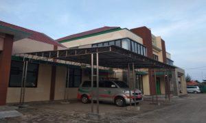 Puskesmas Sarang II di pinggir jalur Pantura Desa Kalipang Kecamatan Sarang.