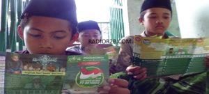 Aktivitas sejumlah santri madrasah di Rembang, belum lama ini.