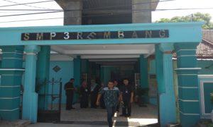 Bangunan sekolah SMP N 3 Rembang.