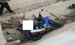 Korban, Suyuti terjatuh di saluran irigasi dan tertimpa sepeda motornya sendiri.