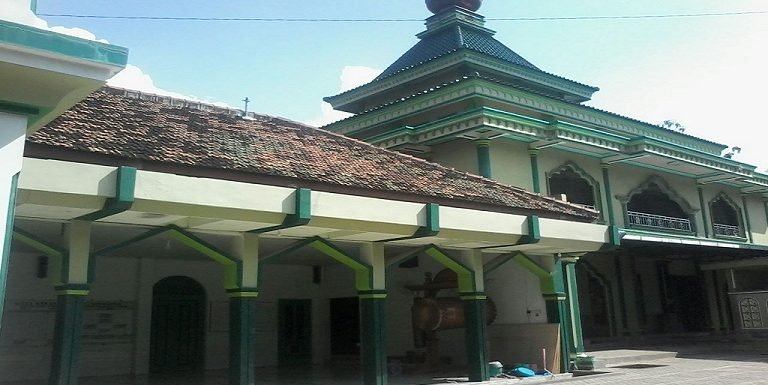 Membedah Al-Adzkar Di Salah Satu Masjid Tertua, Sambil Menunggu Waktu Berbuka
