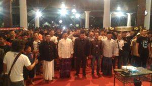 Kemeriahan nonton bareng Final Liga Champion di Pendopo Museum Kartini, Rembang, Minggu dini hari.