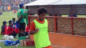 """Rudi """"Bogel"""" Setiawan, mencetak gol penyelamat saat PSIR dijamu Aceh United, Rabu malam (09/05)."""