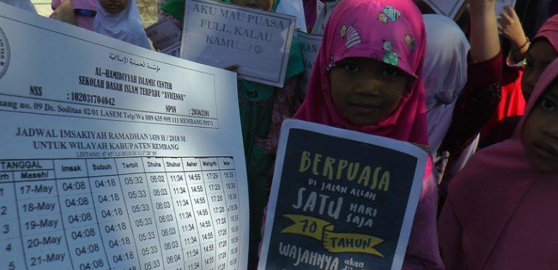 Pawai Sambut Ramadhan, Ada 2 Macam Barang Yang Dibagikan