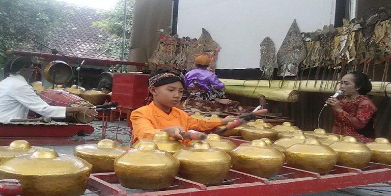 Belajar Dari Semangat Anak – Anak Ini, Melestarikan Budaya Jawa