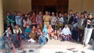 Bupati Rembang, Abdul Hafidz menemui para penyandang disabilitas, Selasa siang (26/06).