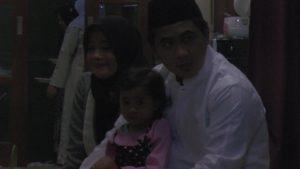 Potret kebersamaan Taj Yasin, bersama isteri dan anaknya, Rabu (27/06).