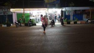 Suasana Jl. Kartini Rembang pada malam hari, setelah kebijakan relokasi PKL.