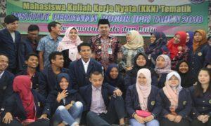 Mahasiswa IPB yang mengikuti program KKN di Kabupaten Rembang, diterima pejabat Pemkab Rembang, baru – baru ini.
