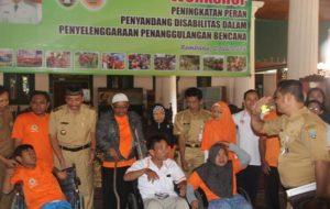 Penyandang disabilitas di sela – sela mengikuti pelatihan kebencanaan, Senin (02/07).