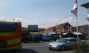 Alun – alun Lasem, tampak dari barat.