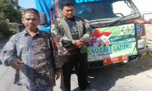 Truk berisi bantuan yang digalang PCNU Lasem, untuk korban bencana gempa bumi di Lombok, NTB. Bantuan diberangkatkan Minggu pagi (19/08).
