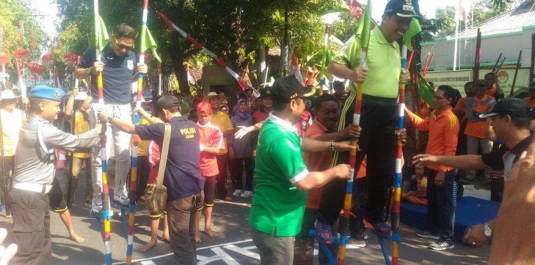 Minggu Pagi, Pemandangan Beda Di Jl. Dr. Sutomo Rembang