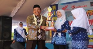 Bupati Rembang, Abdul Hafidz saat menghadiri perayaan ulang tahun HIMPAUDI di Alun – Alun Rembang, Kamis pagi.