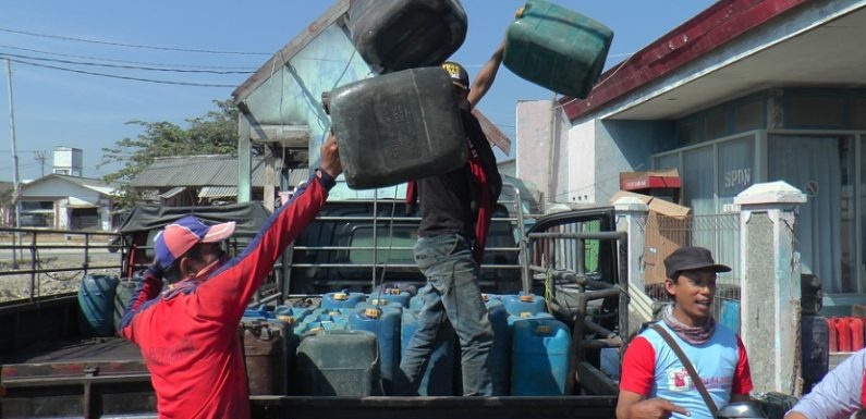 Antrean Jirigen Bertambah Sesak, Nelayan Semakin Galau