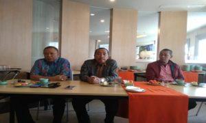 Bupati Rembang, Abdul Hafidz (tengah) saat berada di Bandung, Jawa Barat.