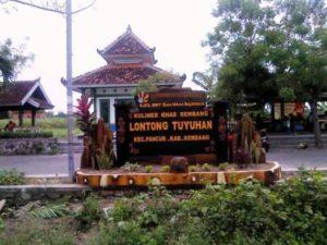 Salah satu desa di Kabupaten Rembang yang memiliki potensi wisata kuliner.