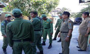 Suasana pembinaan dan pemantapan pelatihan anggota Linmas di Kecamatan Sluke.