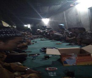 Pedagang Pasar Rembang menggelar musyawarah soal wacana pemindahan pasar.
