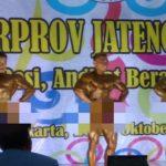 Atlet Binaraga dari Kabupaten Rembang (paling kiri), saat mengikuti event Porprov Jawa Tengah, beberapa waktu lalu.