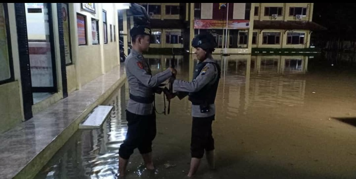 Hujan Ekstrim Pertama, Langsung Dihantui Banjir