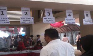 Peserta calon aparatur sipil negara (CASN) bersiap mengikuti seleksi kompetensi dasar di GOR Wujil Ungaran, Kabupaten Semarang.