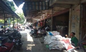 Deretan Ruko di Pasar Rembang.