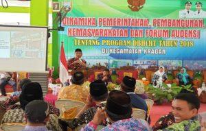 Bupati Rembang, Abdul Hafidz menampung aspirasi masayarakat di Kecamatan Kragan, Kamis (20/12).