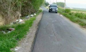 Ruas jalan antara Pertigaan Ngebrak menuju Pertigaan jeruk, dikeluhkan lantaran cukup sempit.