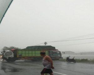 Kecelakaan karambol terjadi di jalur Pantura Desa Purworejo, Kecamatan Kaliori, Minggu sore. Selama ini jalur tersebut dikenal sebagai jalur rawan kecelakaan.