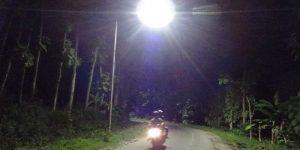 LPJU di jalan perbatasan antara Kecamatan Sulang dengan Kecamatan Gunem.