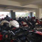 Deretan sepeda motor parkir. Pihak Samsat Rembang mengeluhkan masih rendahnya pembayaran pajak kendaraan bermotor.