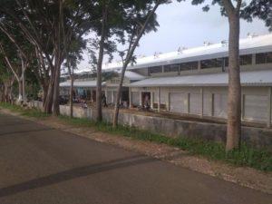 Kios di Pasar Wonokerto, Kecamatan Sale sebagian besar belum difungsikan.