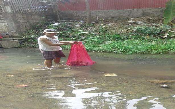 Aktivitas pembersihan Sungai Pamotan, Minggu pagi (09/12).