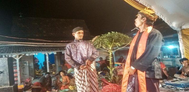 Pergulatan Hidup Menyeng : Antara Emprak, Sampah Dan Kisah Lucu Tembus Ke Jakarta