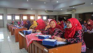 Para pegawai di jajaran Pemkab Rembang yang akan memasuki masa pensiun mendapatkan pembekalan, di lantai IV Gedung Setda, Kamis (10/01).