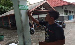 Pemasangan jalur evakuasi dan titik kumpul di sejumlah sekolah di Kecamatan Sedan, Kab. Rembang.