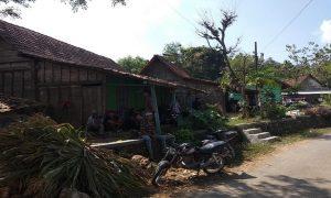 Potret kehidupan warga sebuah desa pelosok di Kecamatan Gunem. Desa terus didorong menggiatkan program pemberdayaan masyarakat.